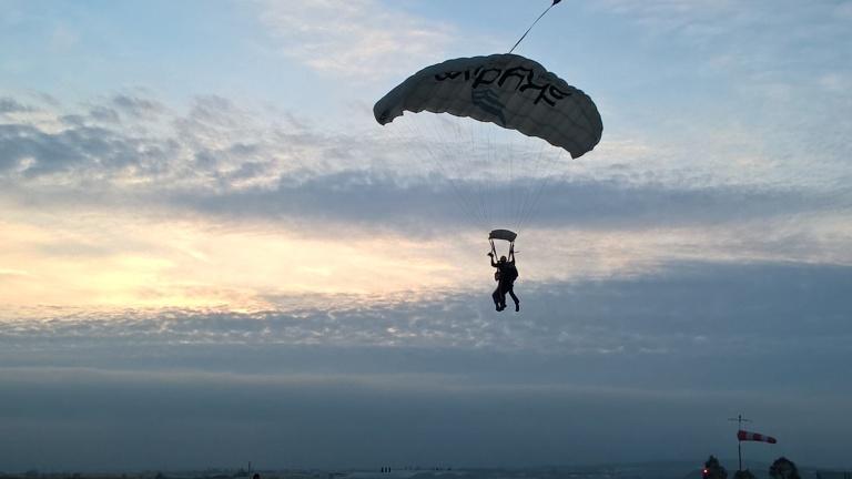 MaP_3_parachuting